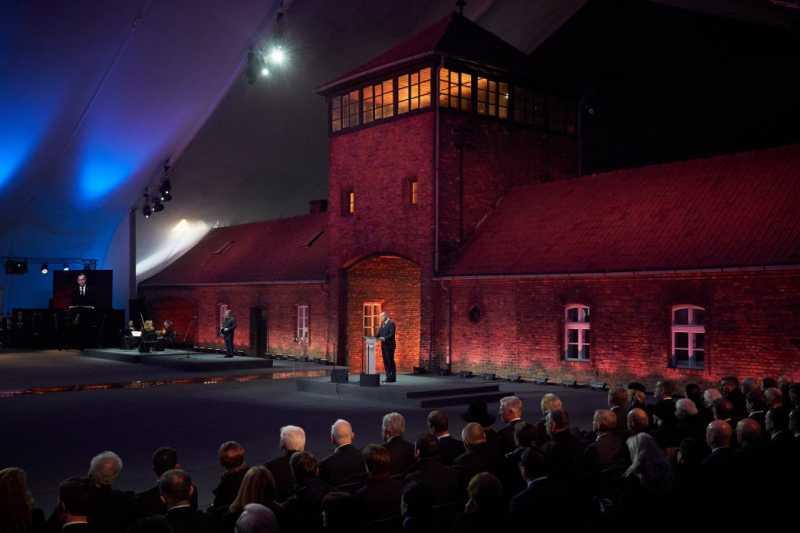 Владимир Зеленский принял участие в мероприятиях по случаю75-летия освобождения нацистского концлагеря Аушвиц-Биркенау в Польше