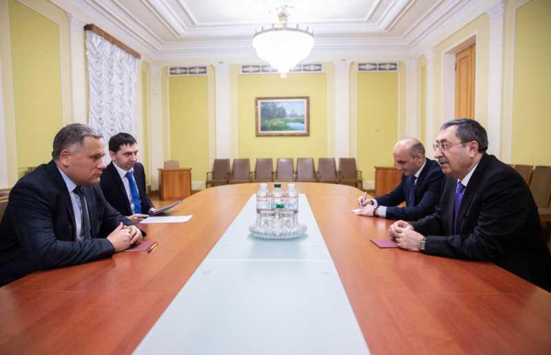 Заместитель руководителя Офиса Президента Украины обсудил с заместителем главы МИД Азербайджана приоритетные мероприятия двустороннего диалога