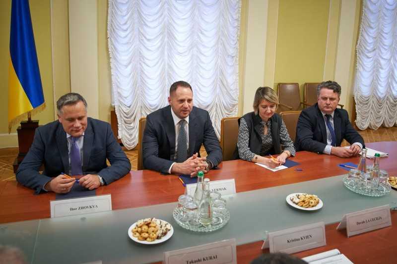 «Виртуализация» переговорного процесса по Минским соглашениям приведёт к давно ожидаемому краху неэффективного формата