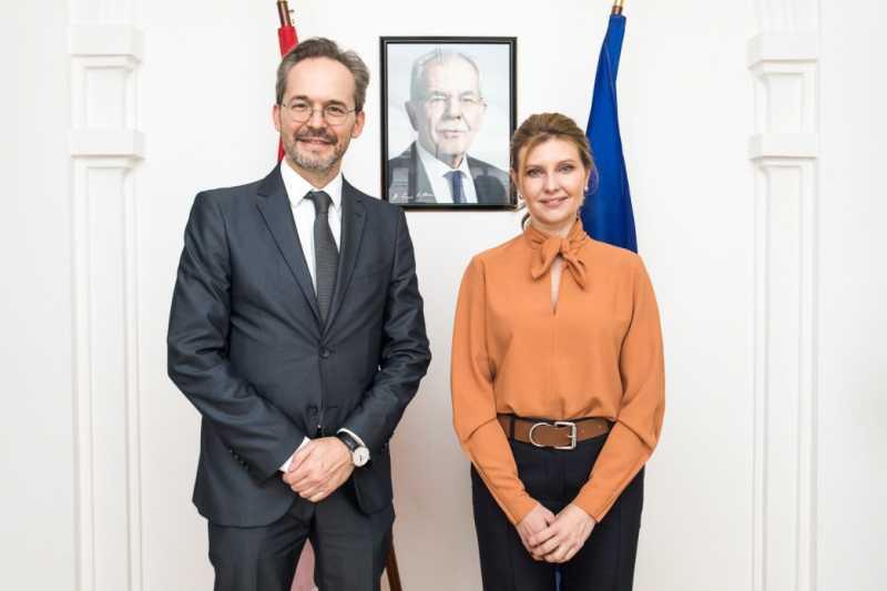 Елена Зеленская и Посол Австрии в Украине обсудили сотрудничество в развитии безбаръерной среды