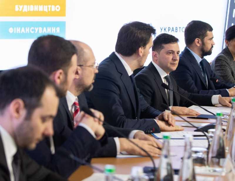 Президент Украины назвал ряд первоочередных задач в области строительства дорог