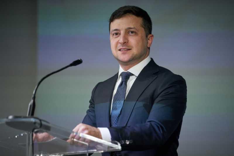 Президент Украины вручил государственные гранты победителям первого конкурса стартапов