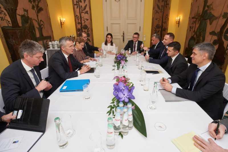 Президент Украины встретился с Генеральным секретарем НАТО