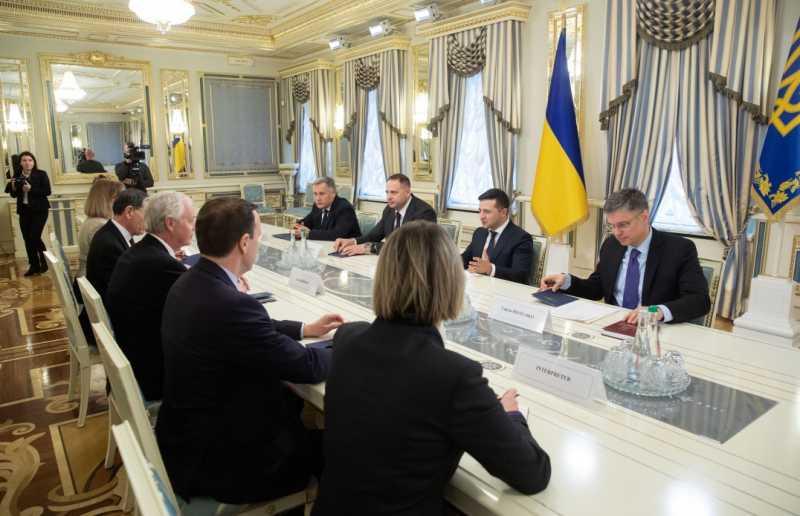 Президент встретился с сенаторами США от Демократической и Республиканской партий
