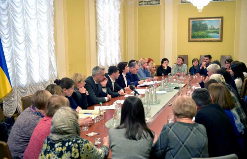 Президент: Завершить расследование дел Майдана – наша главная задача