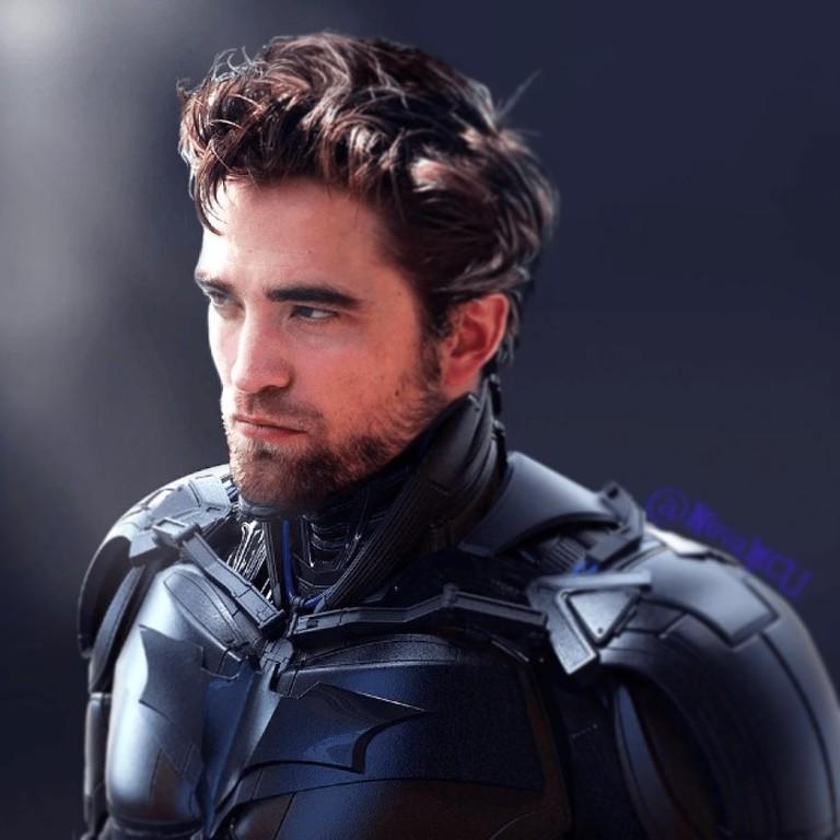 Роберт Паттинсон надел костюм «Бэтмена»1