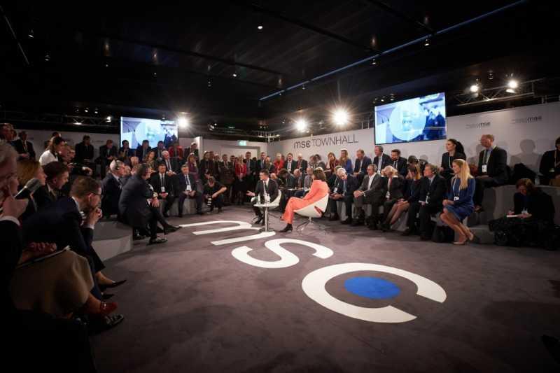 Украина вскоре проинформирует «Нормандскую четверку» об инициативе по разведению сил на Донбассе по секторальному принципу – Президент