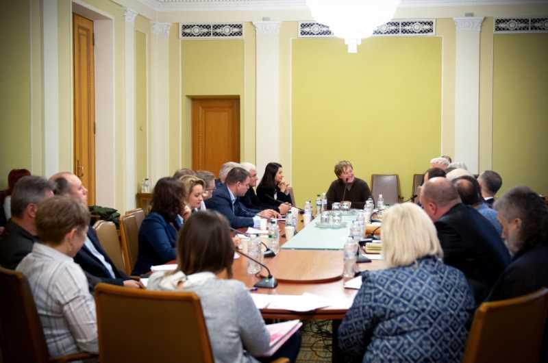 В Офисе Президента обсудили ситуацию вокруг получения гуманитарной помощи благотворительными организациями