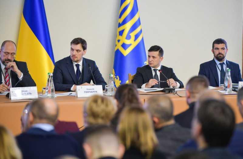 В Украине с марта начинается реализация масштабного проекта строительства дорог – Владимир Зеленский