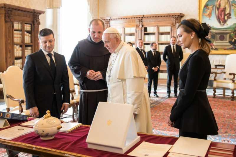 В Ватикане состоялась аудиенция Президента Украины и первой леди с Его Святейшеством Папой Франциском
