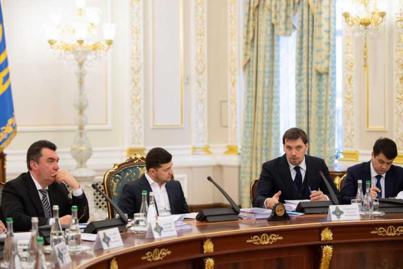 Владимир Зеленский: Мы должны вернуть домой украинцев из Уханя