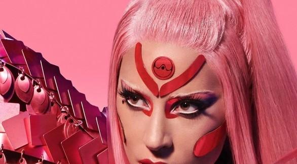 Леди Гага посадила альбом на карантин, а Дуа Липа презентовала новый трек