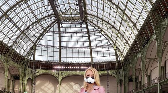 Мода и коронавирус: Яна Рудковская в маске попала в зарубежные фэшн-тренды