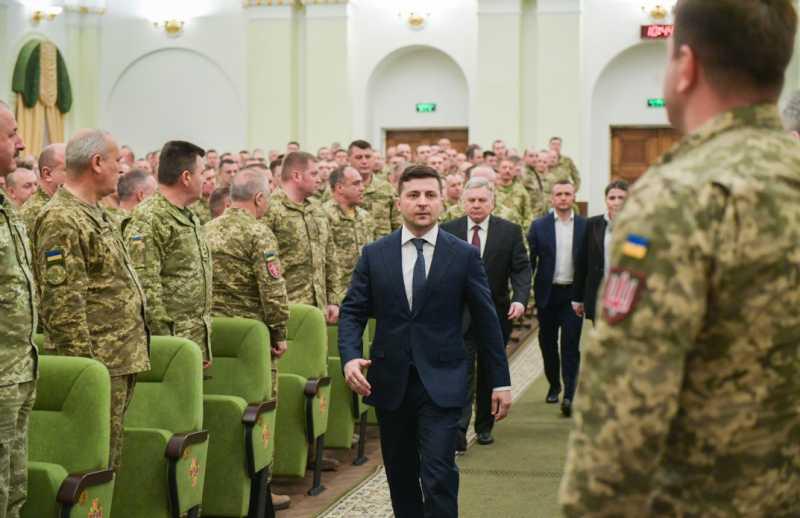 Память каждого воина, который отдал жизнь за Украину, должна чтиться на самом высоком уровне – Глава государства