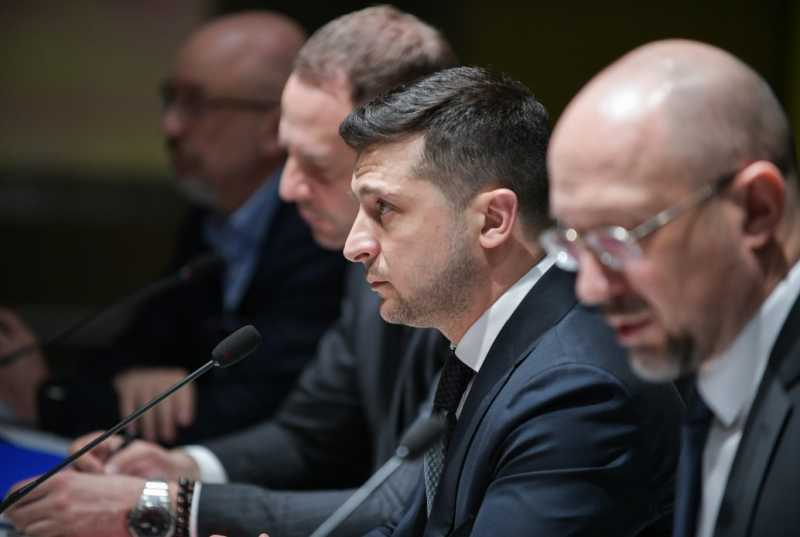 Президент созвал заседание СНБО по вопросам противодействия распространению коронавируса