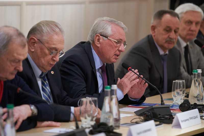 Президент срочно вызвал на Полтавщину министра инфраструктуры, чтобы решить проблемы местного бизнеса