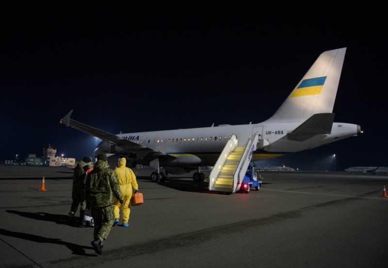 Президентским самолетом эвакуировали 33 украинца, которые не смогли выехать из Австрии