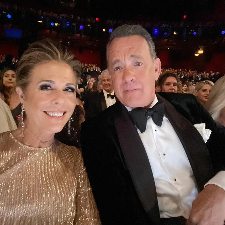 Том Хэнкс с женой