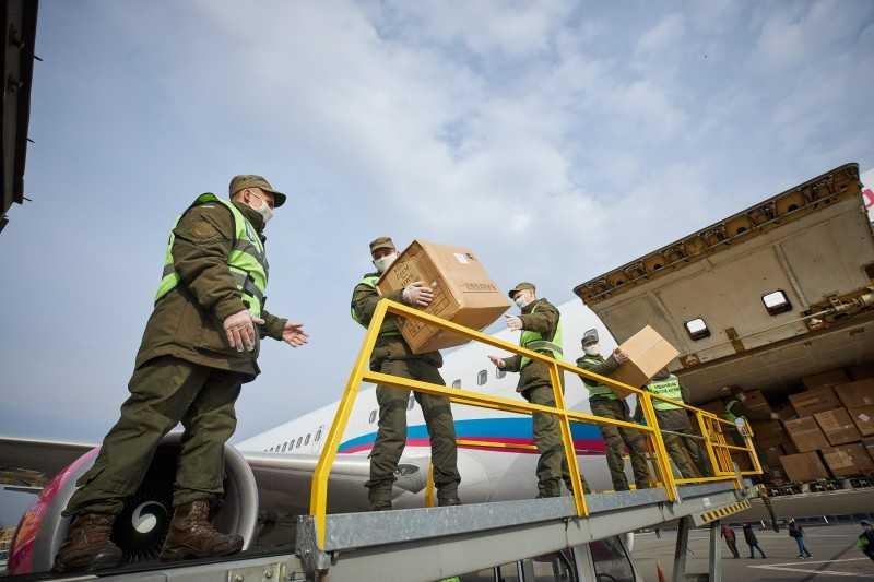 В Киев прибыл самолет со второй партией медицинского груза из Китая