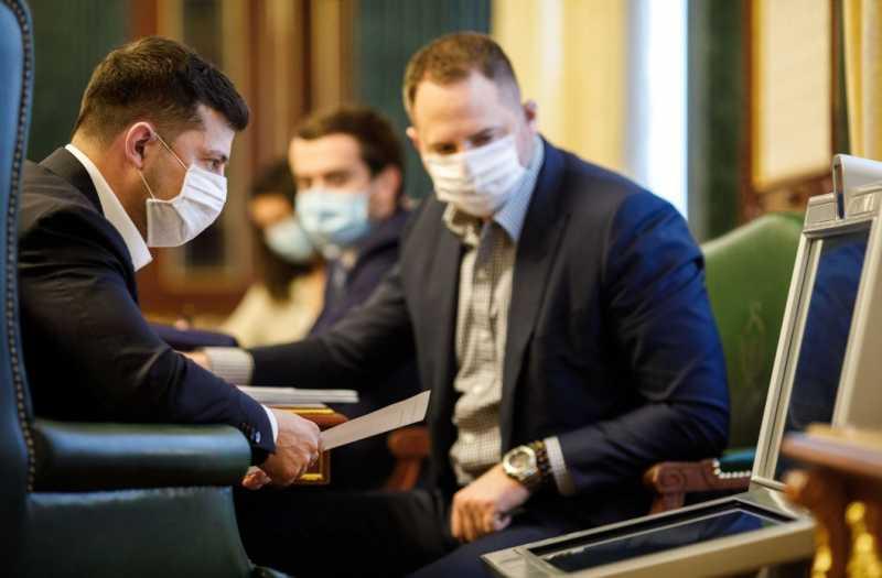 Большинство украинцев поддерживают карантинные мероприятия, но пик заболеваемости еще впереди – Президент