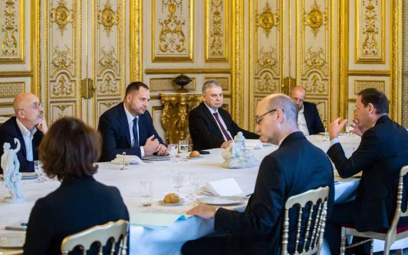 Андрей Ермак обсудил с внешнеполитическим советником Президента Франции детали Минского переговорного процесса