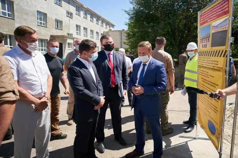 «Большое строительство»: Президент ознакомился с капитальным ремонтом Чернобаевского учебно-воспитательного комплекса на Херсонщине