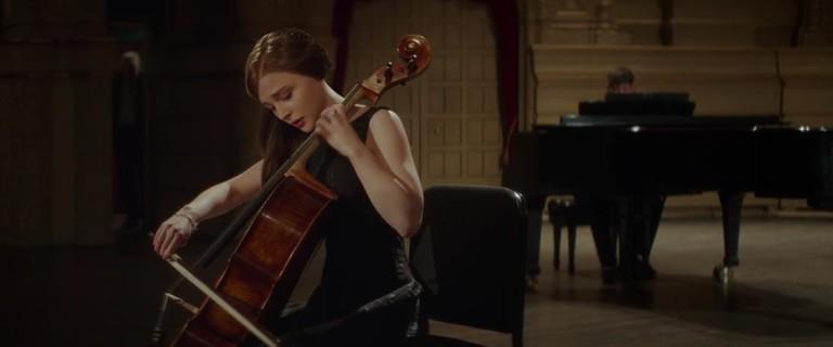 Кадр из фильма «Если я останусь»