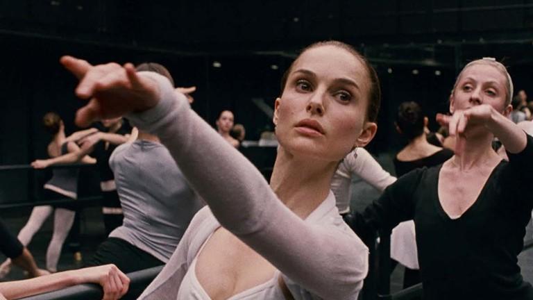 Кадр из фильма «Черный лебедь»