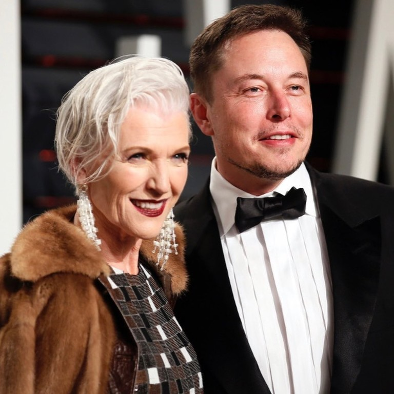 Илон Маск с мамой