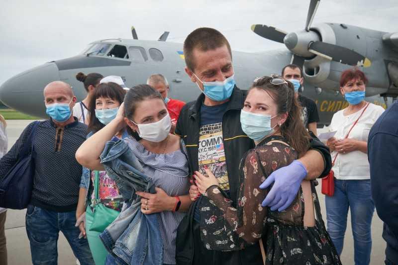 Президент поприветствовал возвращение домой 14 украинских моряков с танкера «Рута», которые более трех лет провели за решеткой в Ливии
