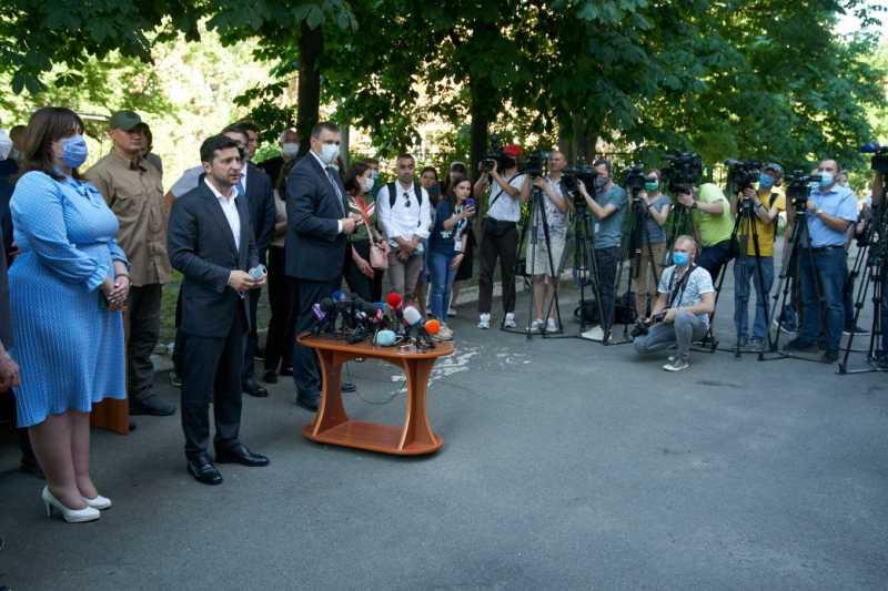 Президент Украины решил проблему обеспечения жильем пострадавших жителей многоквартирного дома в Киеве