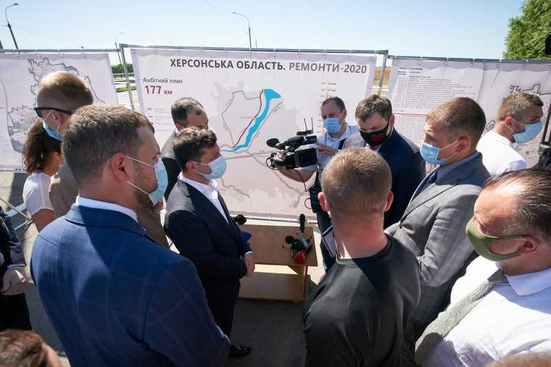 Владимир Зеленский ознакомился с работой пункта габаритно-весового контроля в Херсонской области