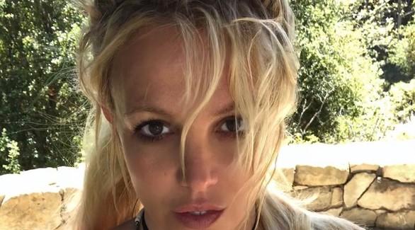Друг Бритни Спирс заявил, что певицей манипулируют ради ее финансов