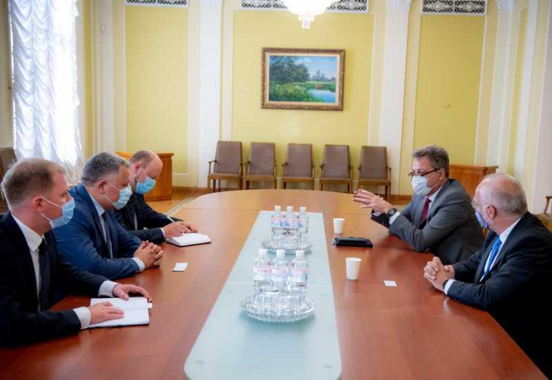 Игорь Жовква встретился с руководством швейцарской компании Stadler Rail AG
