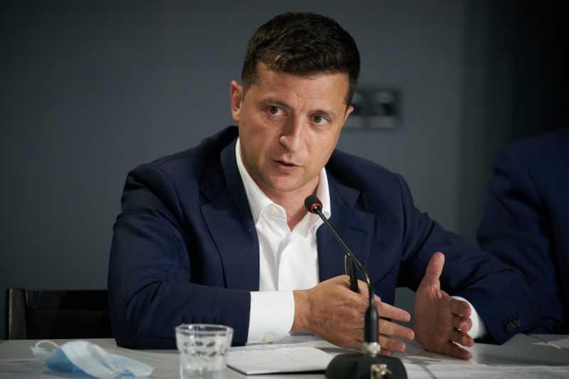 Отток кадров за рубеж можно остановить предоставлением достойных условий труда в Украине, доступным кредитованием и ипотекой – Президент на встрече с бизнесом Волыни