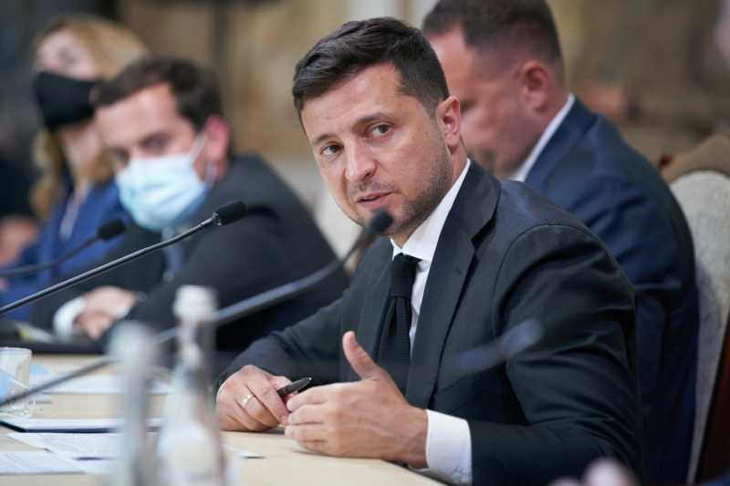 Президент обсудил с предпринимателями проблемы бизнеса на Буковине