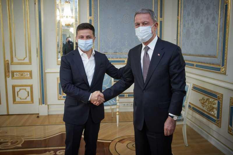 Президент Украины провел встречу с министром национальной обороны Турецкой Республики