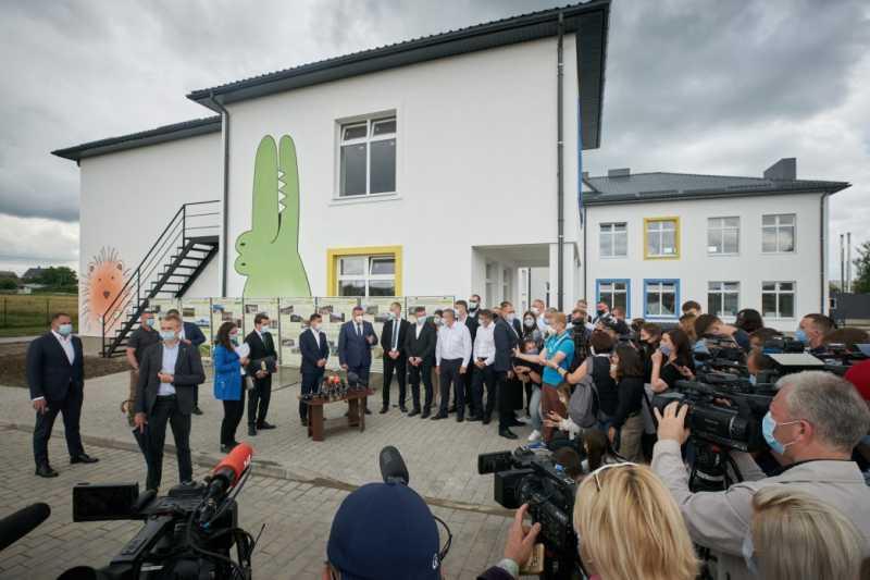 Семь новых школ будут сданы в Волынской области в этом году – Владимир Зеленский