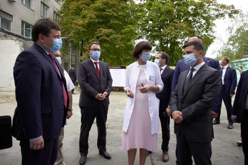 «Большое строительство»: Президент ознакомился с реконструкцией приемного отделения Херсонской городской больницы