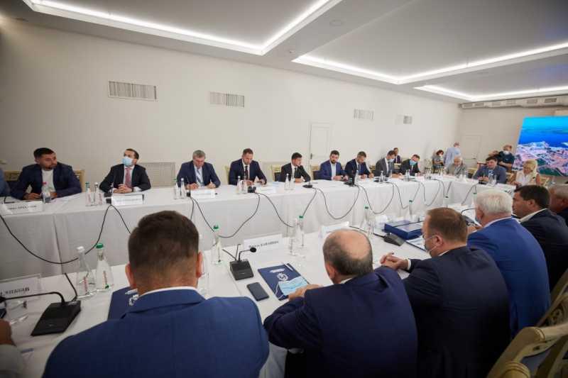 Глава государства обсудил законопроект о водном транспорте с представителями бизнеса