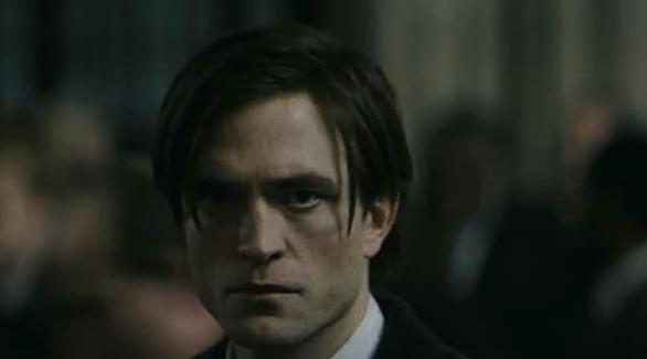 Мрачный Роберт Паттинсон в первом трейлере «Бэтмена»