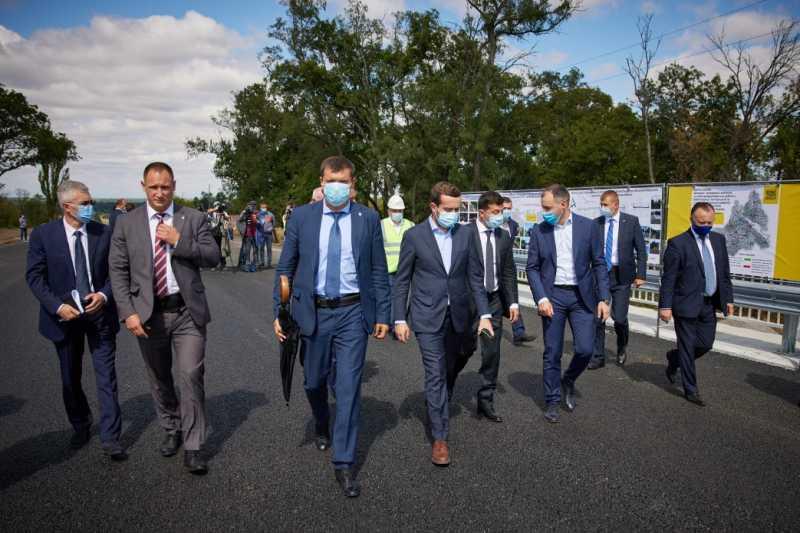 Президент на Черкасчине: В следующем году программа «Большое строительство» будет дополнена мостами и путепроводами