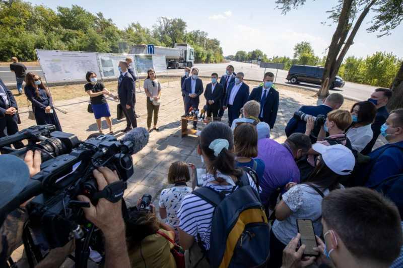 Президент: Планируется закупить и установить 50-80 комплексов автоматического габаритно-весового контроля по всей Украине