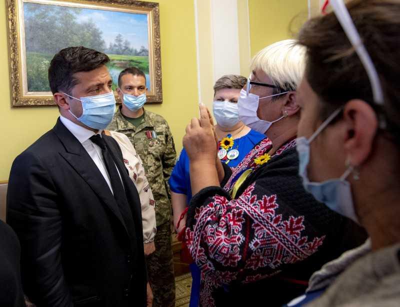 Президент встретился с членами семей погибших защитников Украины и пропавших без вести граждан