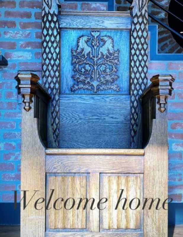 Софи Тернер забрала домой трон «Игры престолов»2