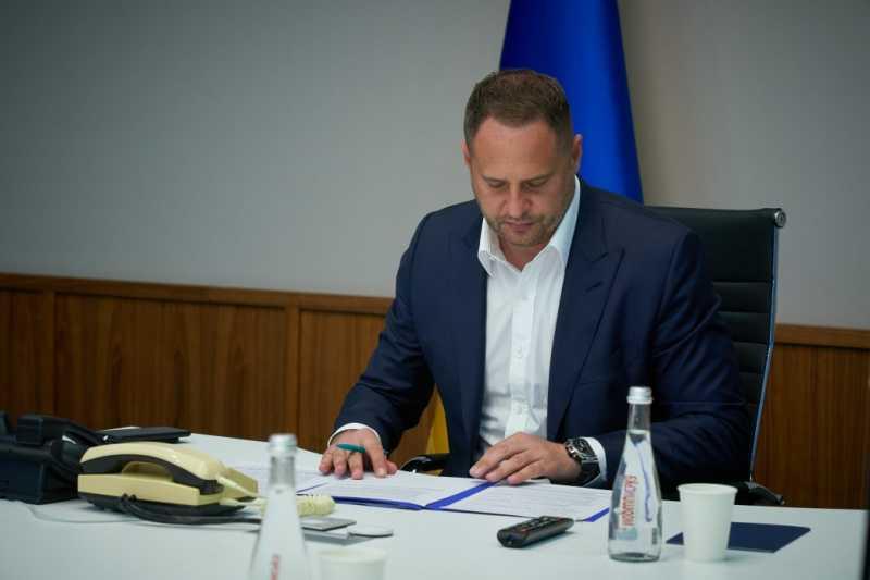 Украина обращается к белорусским властям относительно освобождения украинских правозащитников и журналистов Реуцкого и Васильева – Андрей Ермак