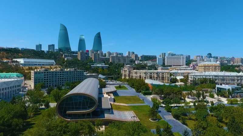 В рамках проекта Елены Зеленской по распространению украинского языка в мире в Азербайджанском национальном музее ковра появился аудиогид на украинском
