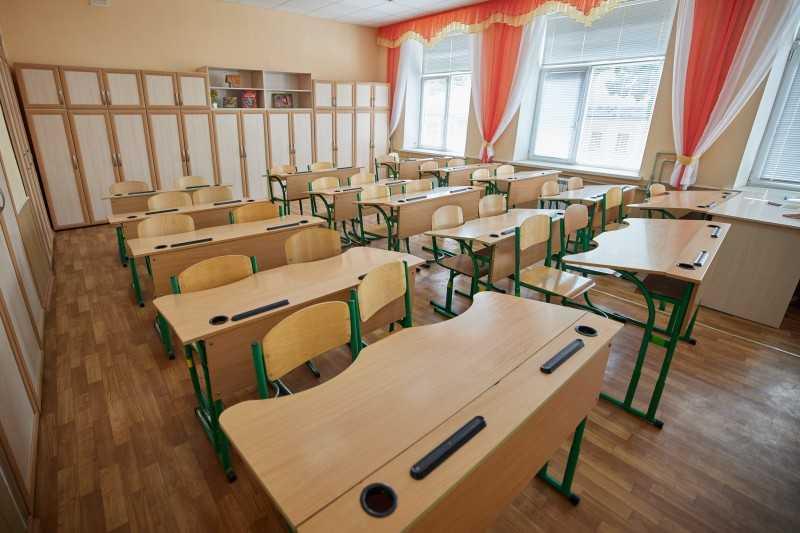 Владимир Зеленский посетил Николаевскую санаторную школу, где учатся и проходят реабилитацию дети со сколиозом