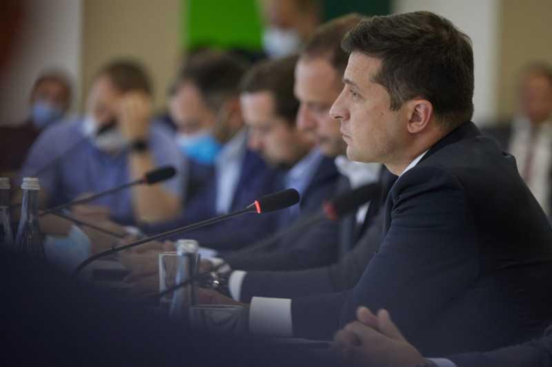 Владимир Зеленский пребывает с рабочей поездкой на Черкасчине 