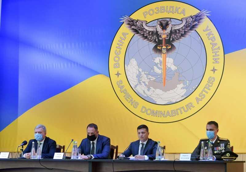 Военная разведка Украины должна усилить стратегическую и оперативную работу – Глава государства